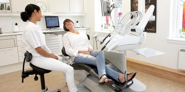 på besøg hos tandlægen